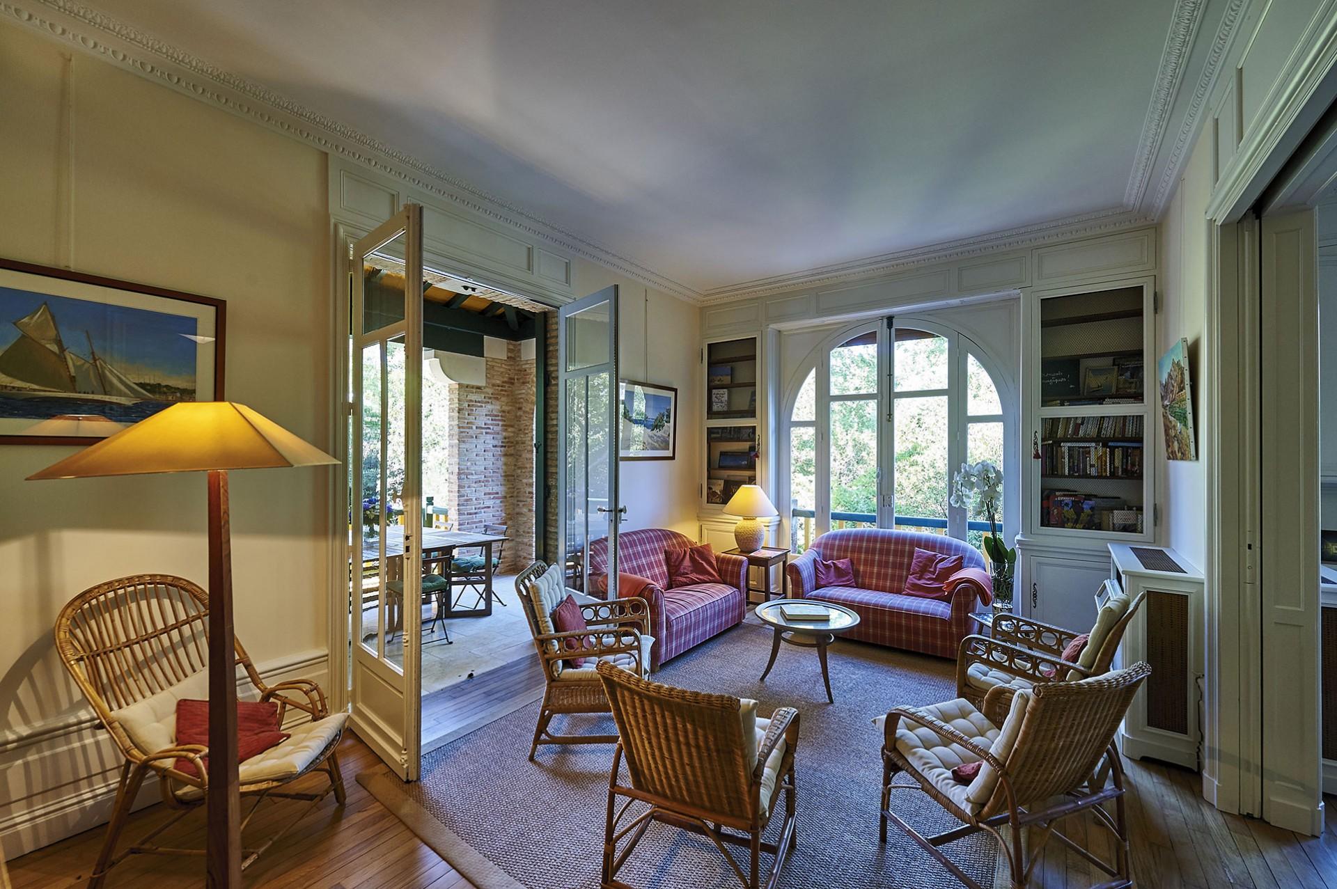 Villa myriam for Atelier de cuisine philippe lechat